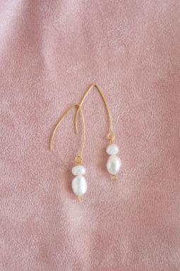 Długie kolczyki z perłą
